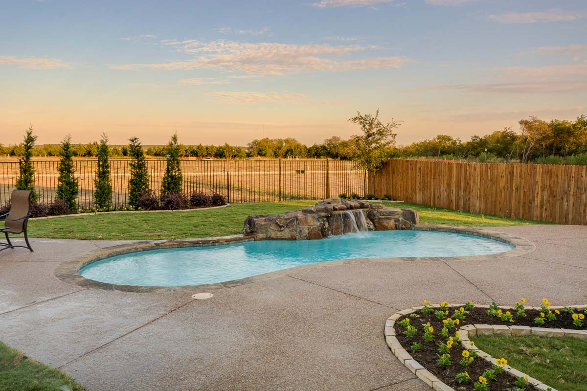Grand Homes Las Brisas Mira Lagos Homes For Sale Grand Prairie Tx